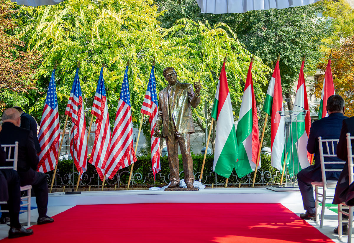 Statue of Bush Unveiled in Budapest